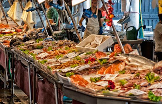 Die m rkte von venedig veneziaunica city pass for Fischmarkt zug