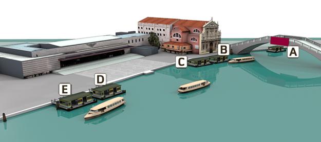 Схема расположения причалов вапоретто у вокзала Венеции - Как добраться на поезде в Венецию: расписание поездов, время в пути до Венеции, стоимость билетов до Венеции. Вокзал Санта Лючия в Венеции -сориентироваться на вокзале, Венеция, Венеция Италия, путеводитель по Венеции, Венеция путеводитель скачать бесплатно, Италия путеводитель, Венеция на поезде, вокзал Венеция